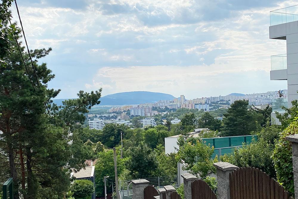 Вид на район Карлова Вес