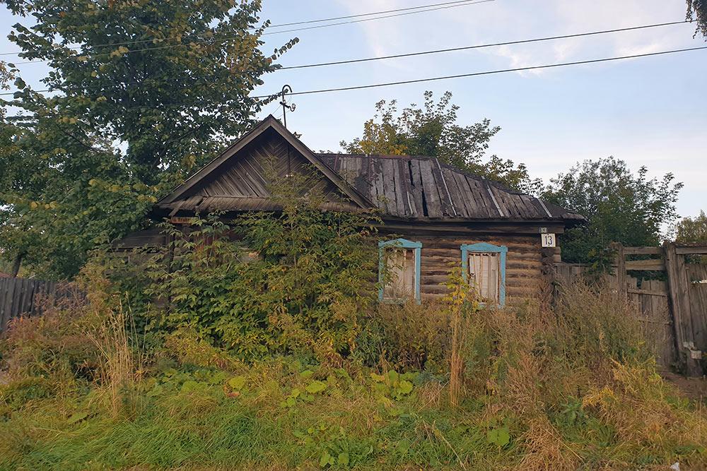 Дом, который стоит напротив ЖК«Парус»