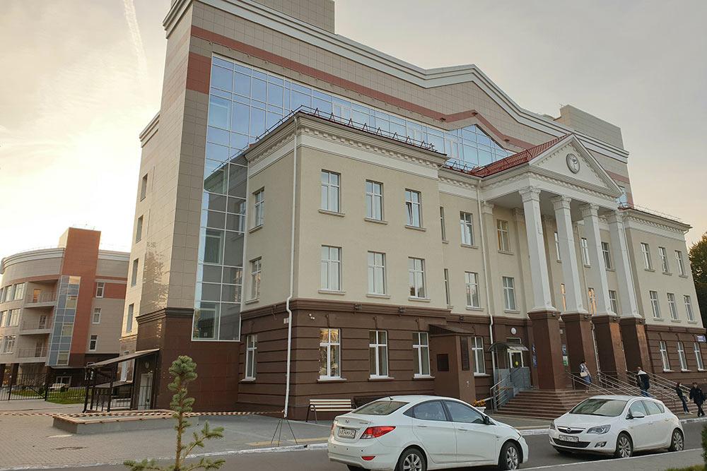 Поликлинику напроспекте Ленина, вкоторую яхожу попрописке, открыли вначале 2020года