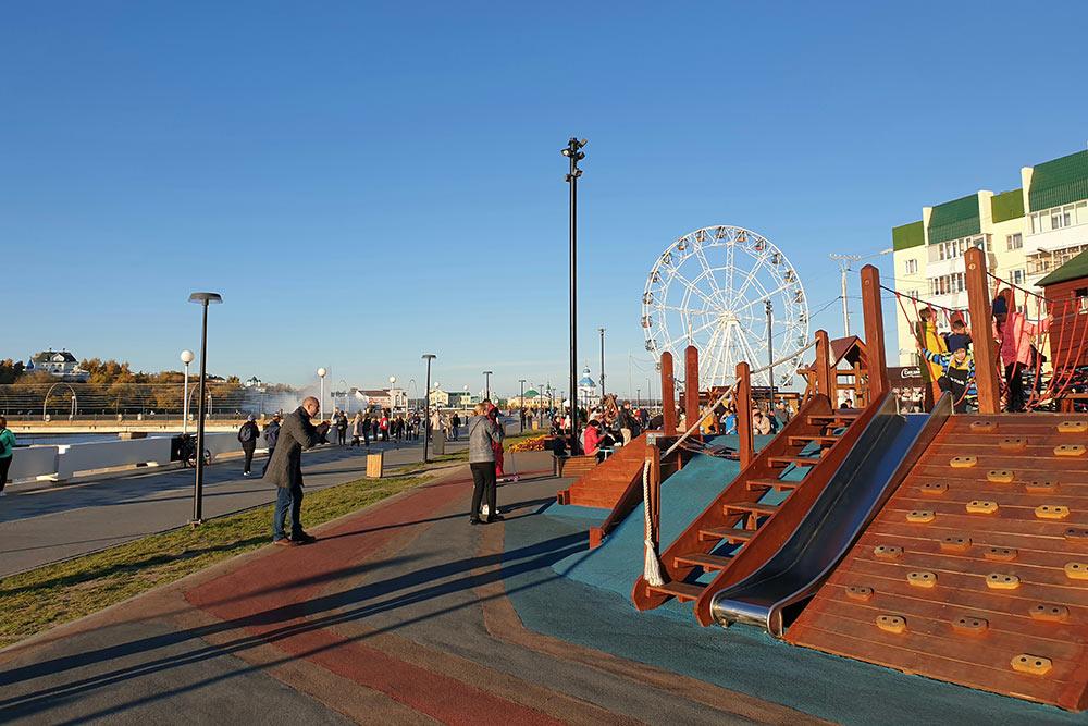 Инклюзивная детская площадка около Красной площади