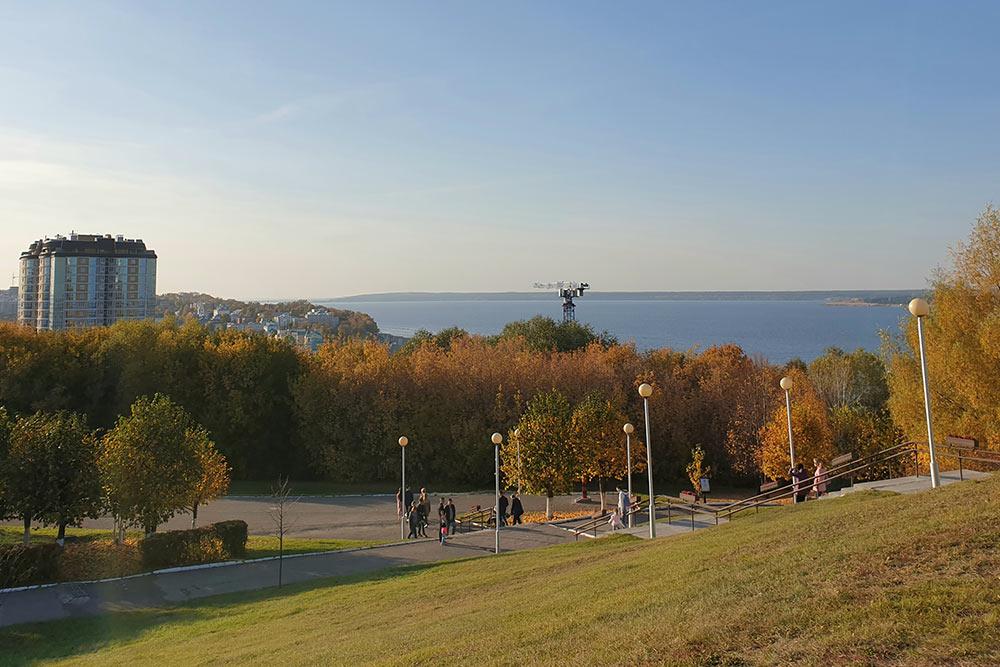 Панораму исторического центра изпарка Победы загородила новая высотка истройка