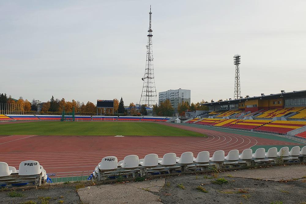 НаОлимпийском стадионе проводят чемпионаты России полегкой атлетике испортивной ходьбе
