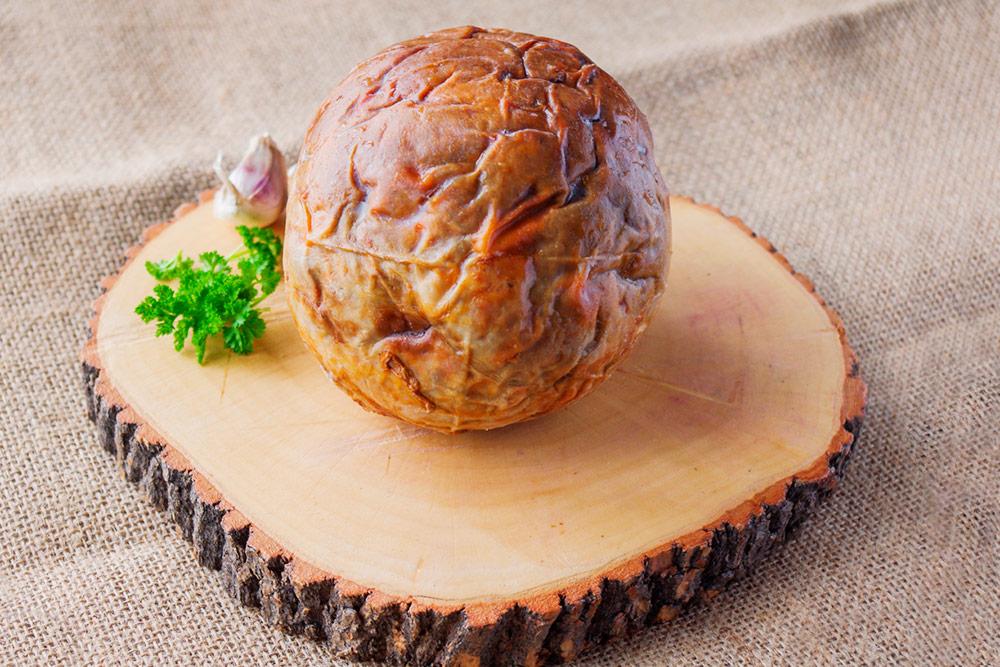 Шартан — традиционное чувашское блюдо. Это бараний желудок, начиненный рубленой бараниной соспециями изапеченный впечи