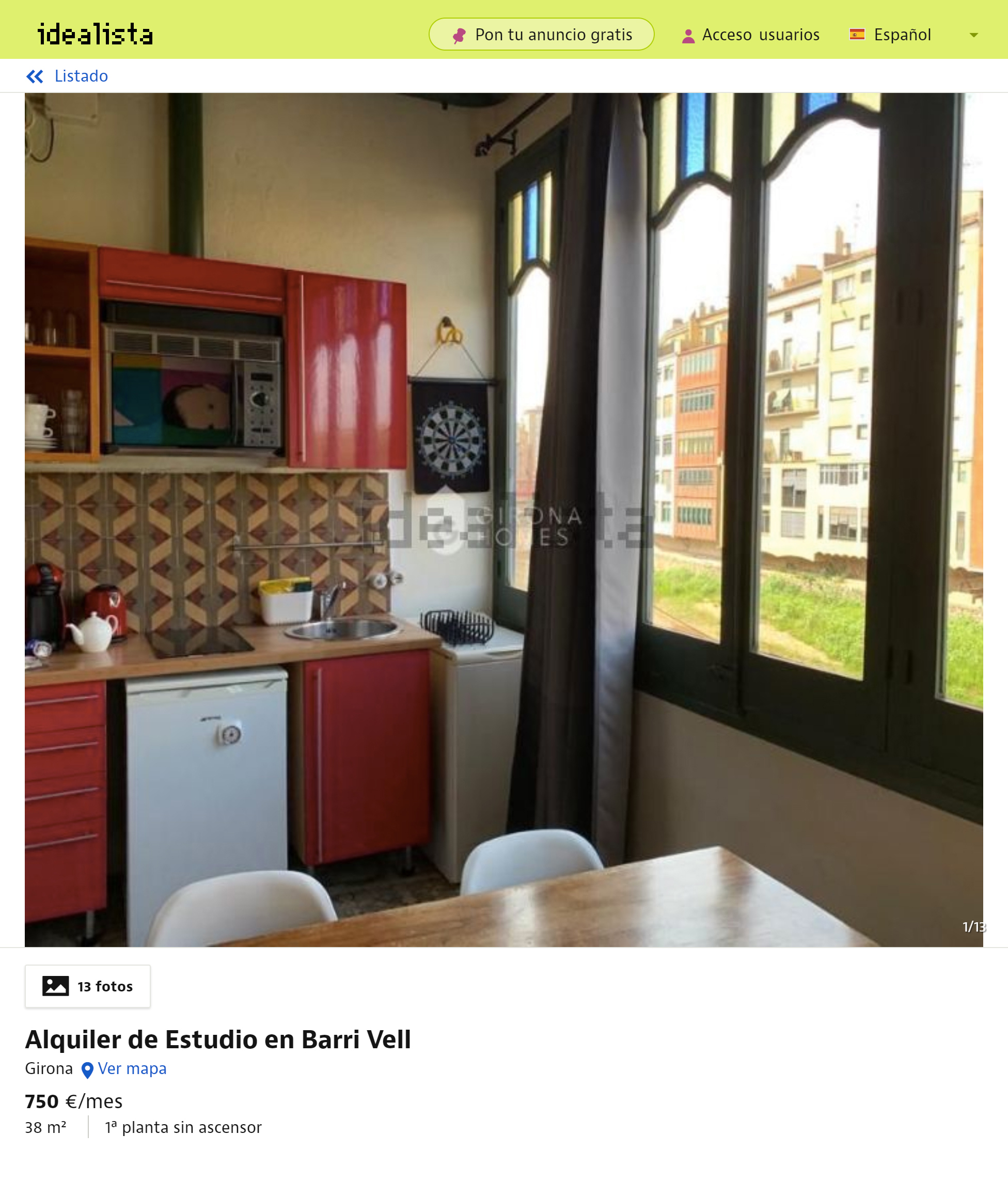Полностью меблированная квартира-студия с одной спальней в Старом городе с окнами на реку Оньяр площадью 38м² обойдется в 750€ в месяц