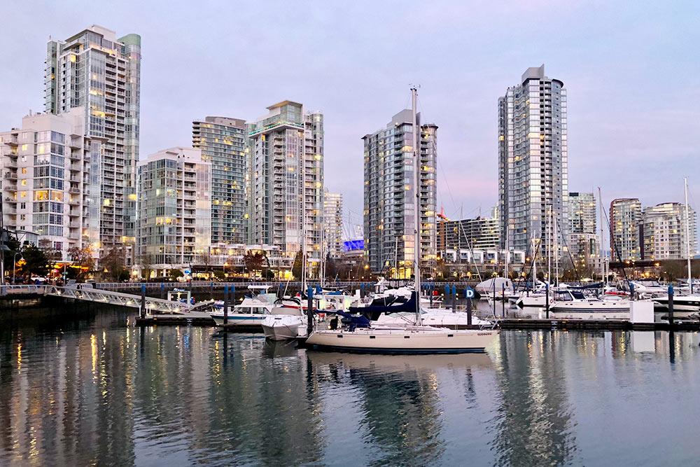 ВБольшом Ванкувере много воды. Этому способствует иблизость океана, ирека Фрейзер, вустье которой город былоснован