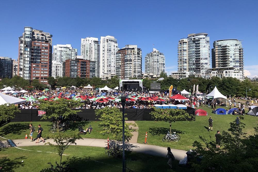 Каждый июнь в Ванкувере проходит международный джазовый фестиваль