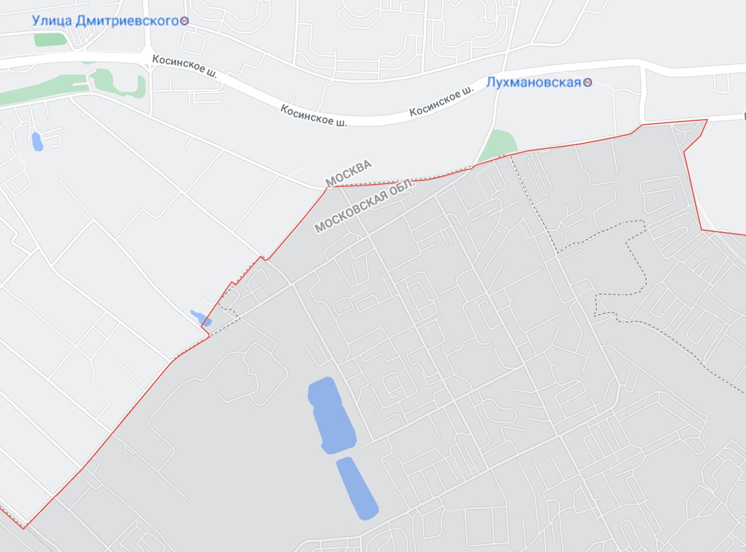 Светло-серым на карте обозначена Москва, а темно-серым — Люберцы. Я живу возле маленького прямоугольного пруда. Жилые дома в Косино находятся за Косинским шоссе. Между ними и Люберцами небольшой пустырь с линиями электропередач