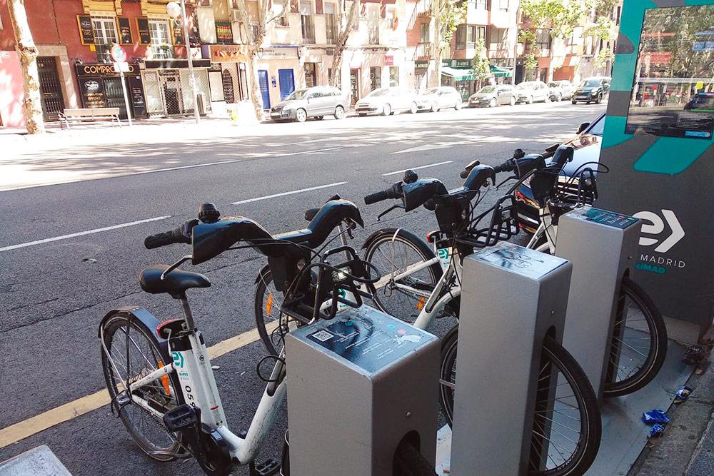 Стойка велопроката BiciMAD