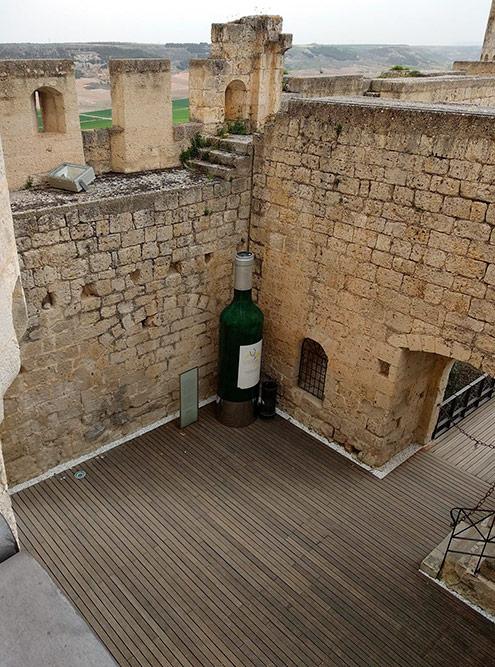 В старинной городской крепости расположился Музей вина