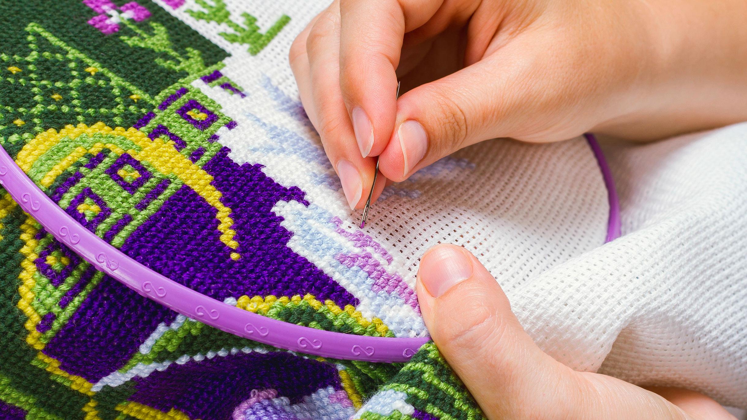 Сколько стоит вышивать крестиком
