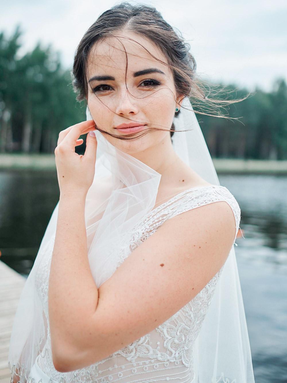 У подруги на свадьбе я была и гостем, и визажистом. Образ невесты был моим подарком. Но не все друзья приглашали меня делать свадебный макияж: некоторые звали только в качестве гостя