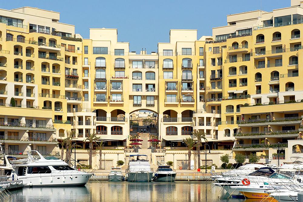Самый первый комплекс элитной недвижимости на Мальте — Портомасо. Стоимость квартир начинается от 450 000€ за апартаменты с одной спальней и безвида на море