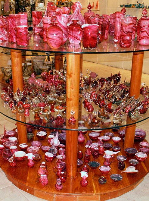 Мелкие сувениры из стекла стоят от 5€