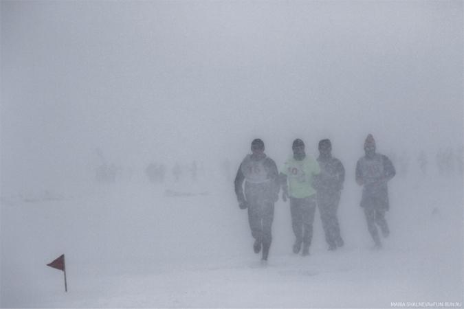 Забег по льду Байкала — один из самых тяжелых марафонов в мире