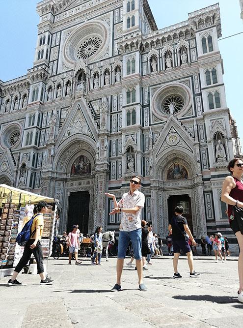 Поразило, как детально вырезаны статуи снаружи собора Санта-Мария-дель-Фьоре во Флоренции