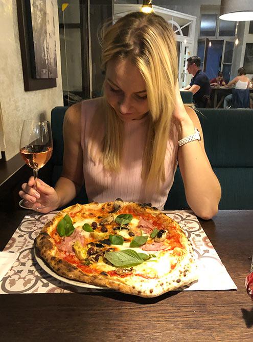 Пиццу в«Толедо» готовит повар изНеаполя