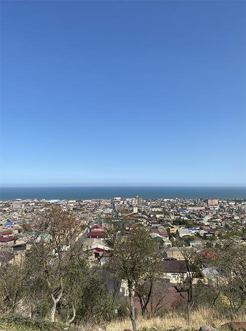 Вид на Каспийское море с Дербентской крепости