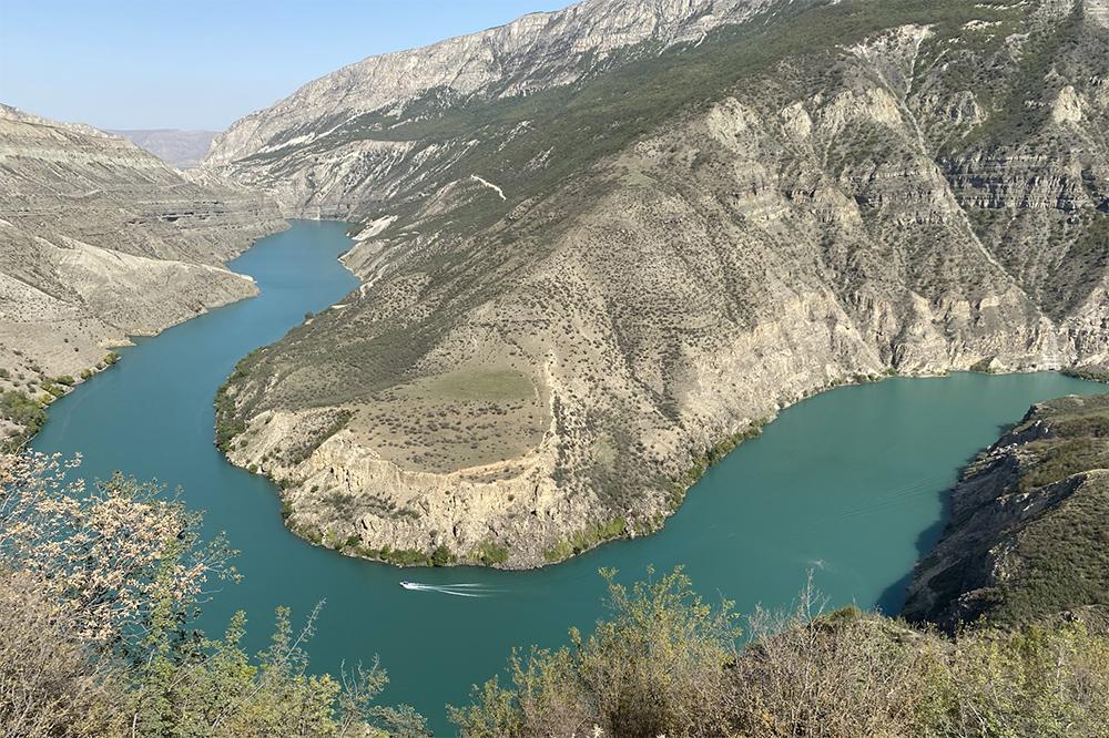 К сожалению, купаться в каньоне нельзя: вода почти всегда холодная