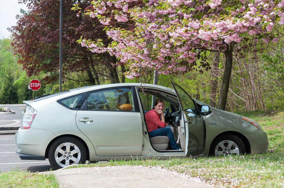 Наша Тойота Приус 2006 года. Пробег 88 000 миль (141 622 км), здесь это не много. С хорошими дорогами и климатом машины живут дольше