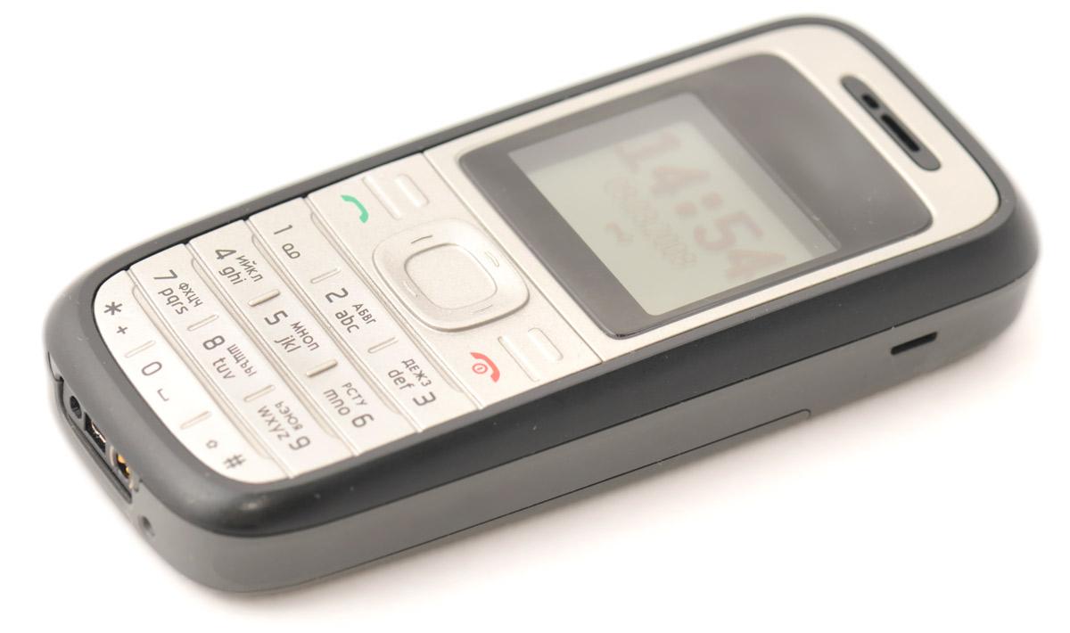 Мобильный телефон «Нокия». По такому разговаривали наши предки