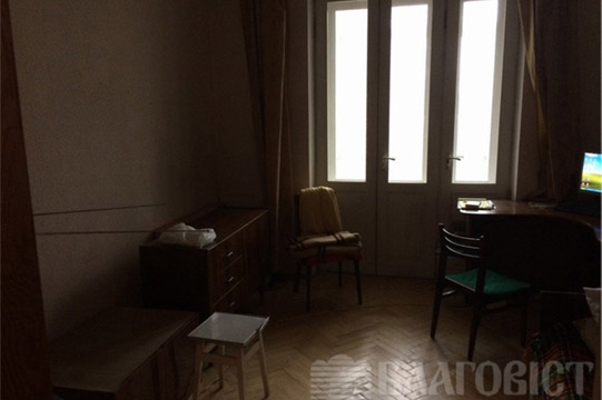 Снимки, сделанные напротив окна, получаются темными