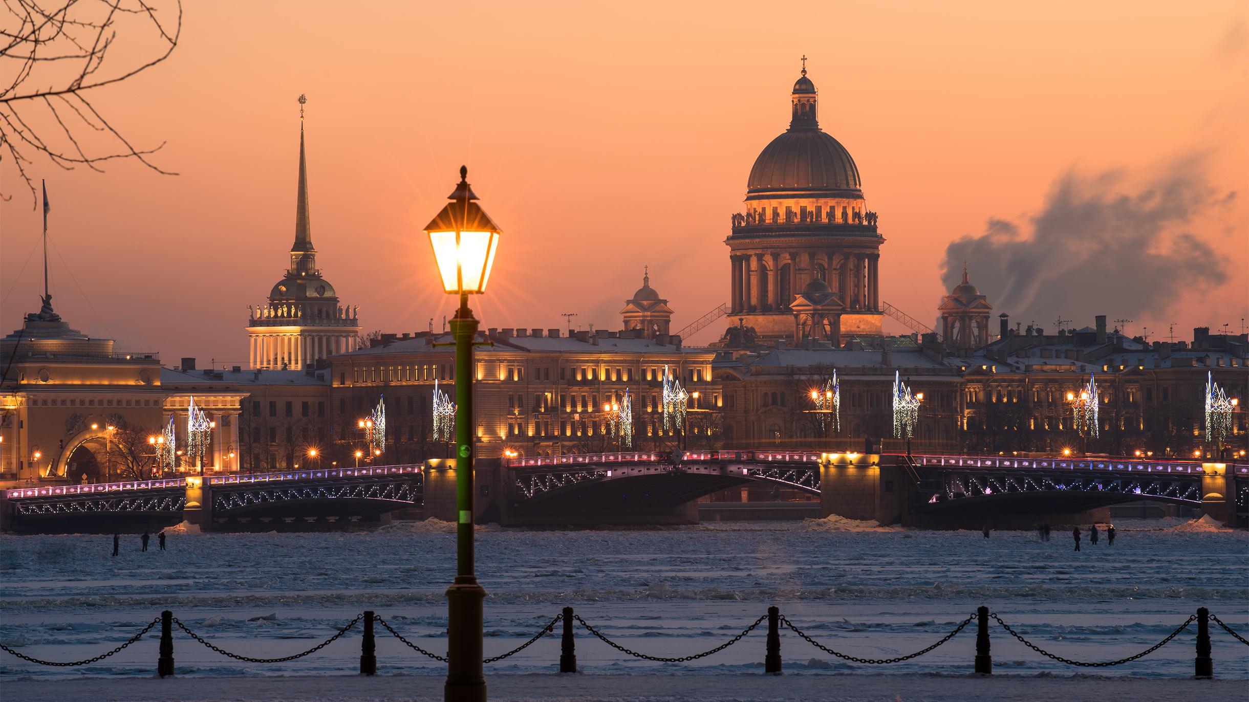 В Петербурге ослабляют коронавирусные ограничения
