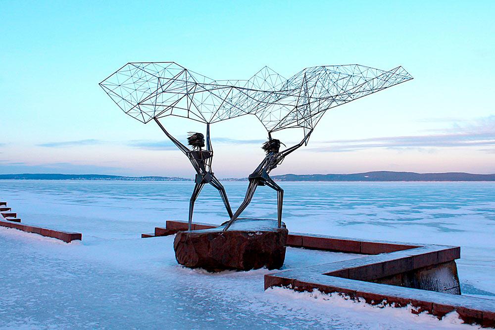 Рыбаки — еще один визуальный символ Петрозаводска. Фото: Ирина Кудрявцева / Pixabay