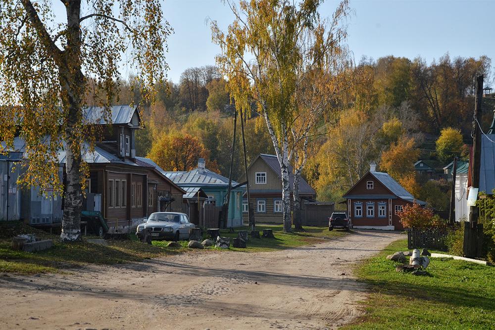 Жилые дома по дороге к горе Левитана