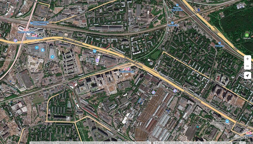 По карте хорошо видно, какую огромную площадь занимают промзоны на востоке. Становится понятно, почему эти районы сейчас не очень ценятся. Но когда на месте промзон появятся современные ЖК, торговые центры и общественные пространства, ситуация изменится
