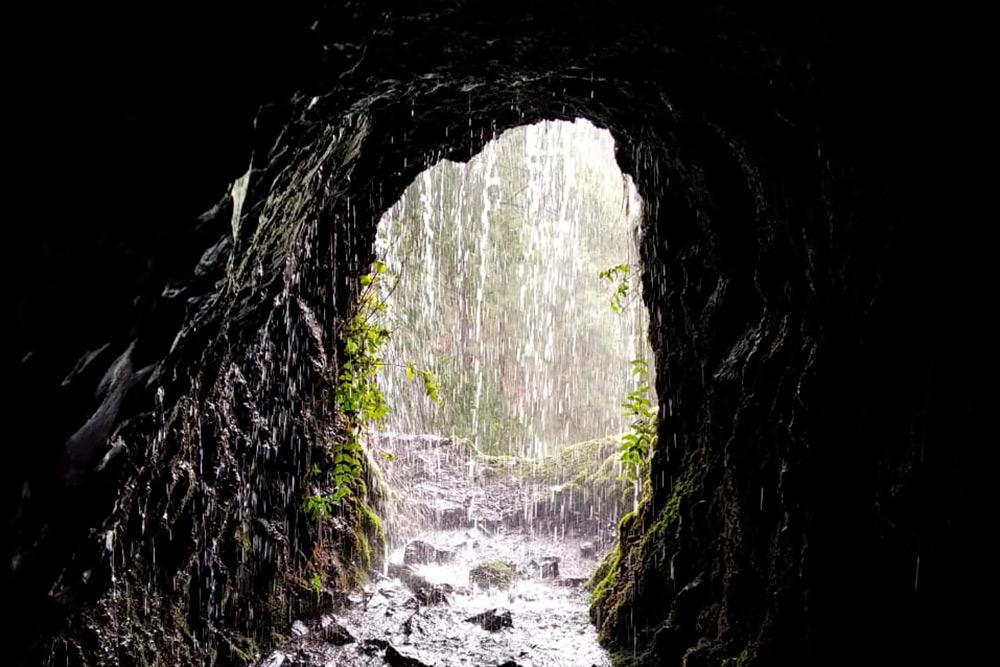 В одном изводных тоннелей маршрута Marcos yCordero