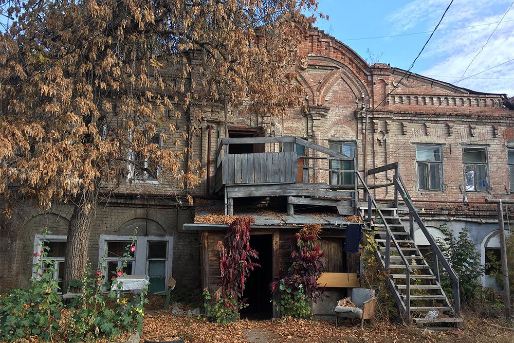 Старые дворики наМосковской— мое любимое место вгороде. Жалко, что эти домики находятся вудручающем, полуразвалившемся состоянии