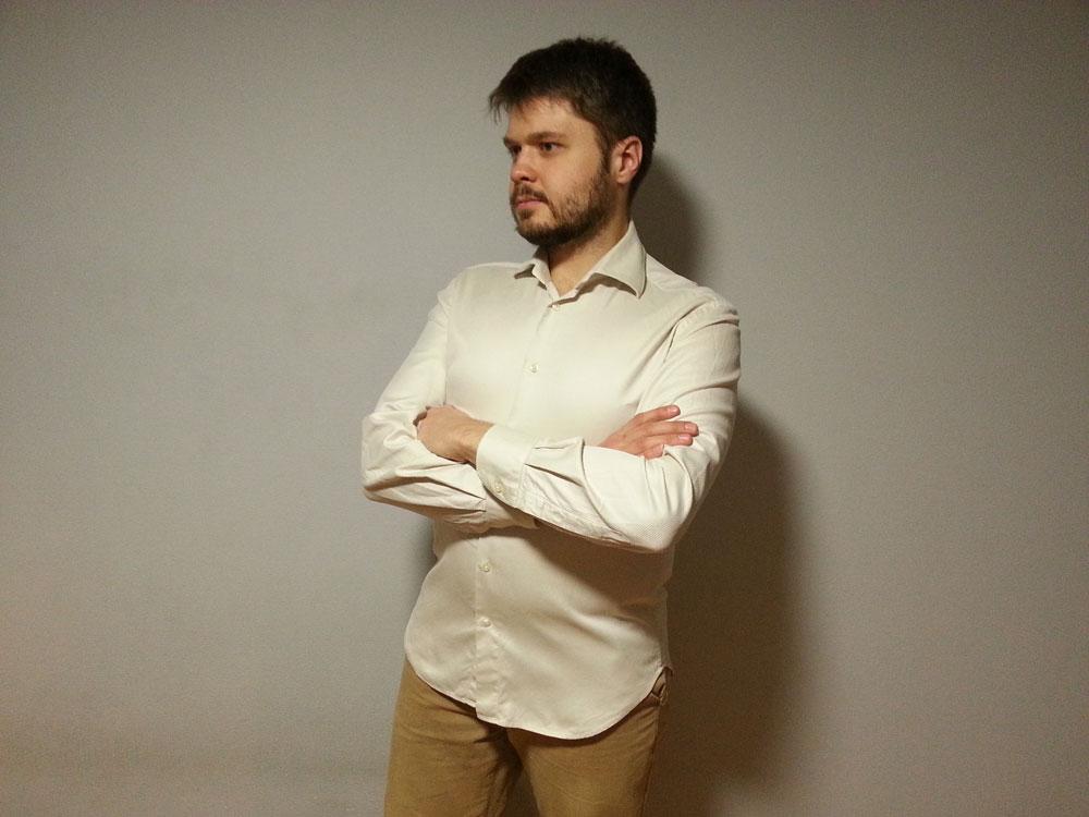 Я купил аналогичную рубашку в секонд-хенде за 300 р.