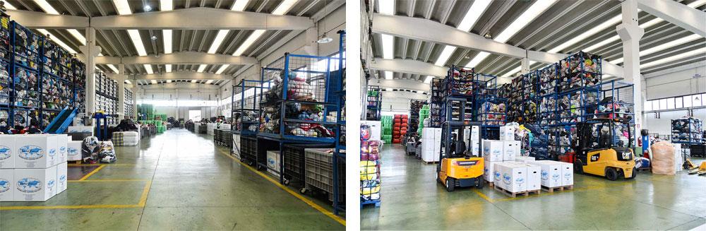 Упакованные и готовые к отправке в Москву вещи на складах в Англии. Источник фото: evronova.ru