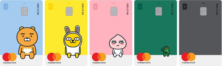 Недавно популярный корейский мессенджер KakaoTalk создал свой банк. В дизайне карт используются эмотиконы из мессенджера