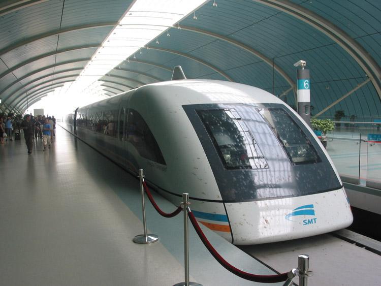 Шанхайский маглев разгоняется до 430 км в час. Фото: {traveltoshanghai.info}(http://www.traveltoshanghai.info)