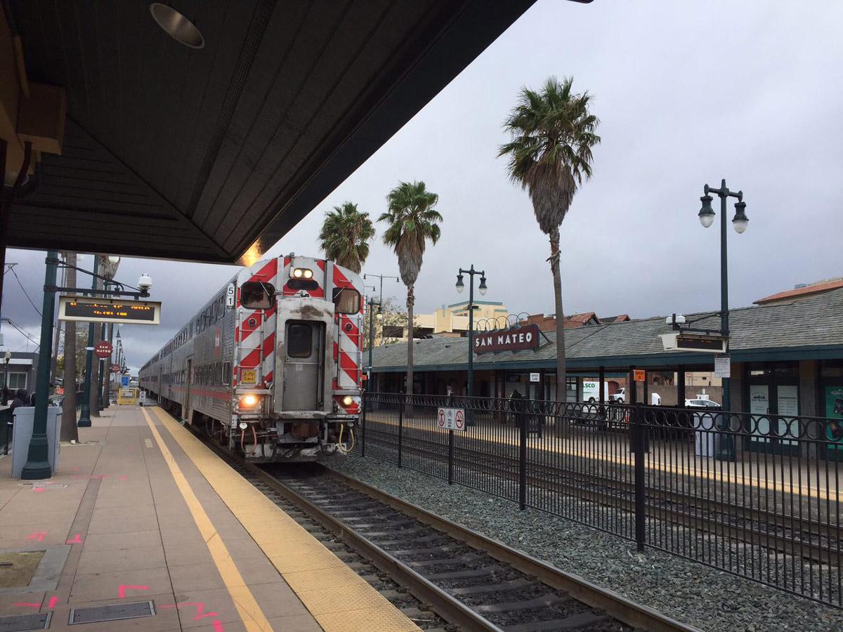 Станция Калтрейна в Сан-Матео