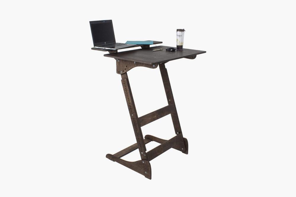 Стол для&nbsp;работы стоя «Добрыня», 5900<span class=ruble>Р</span>. Источник: «Яндекс-маркет»