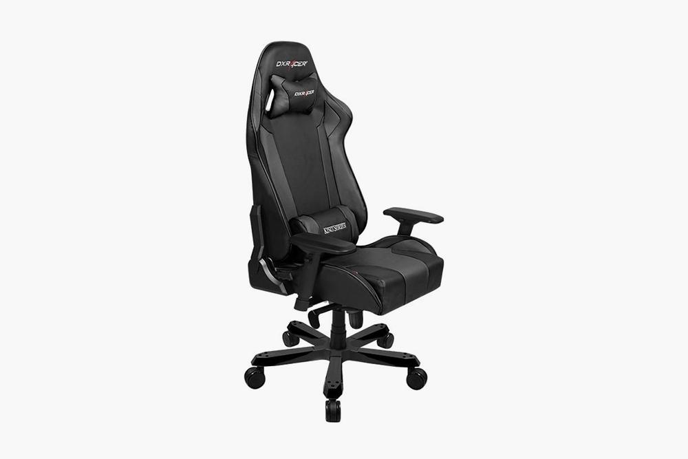 Кресло DXRacer King OH с упором под&nbsp;поясницу и подголовником, 37 990<span class=ruble>Р</span>. Источник: «Яндекс-маркет»