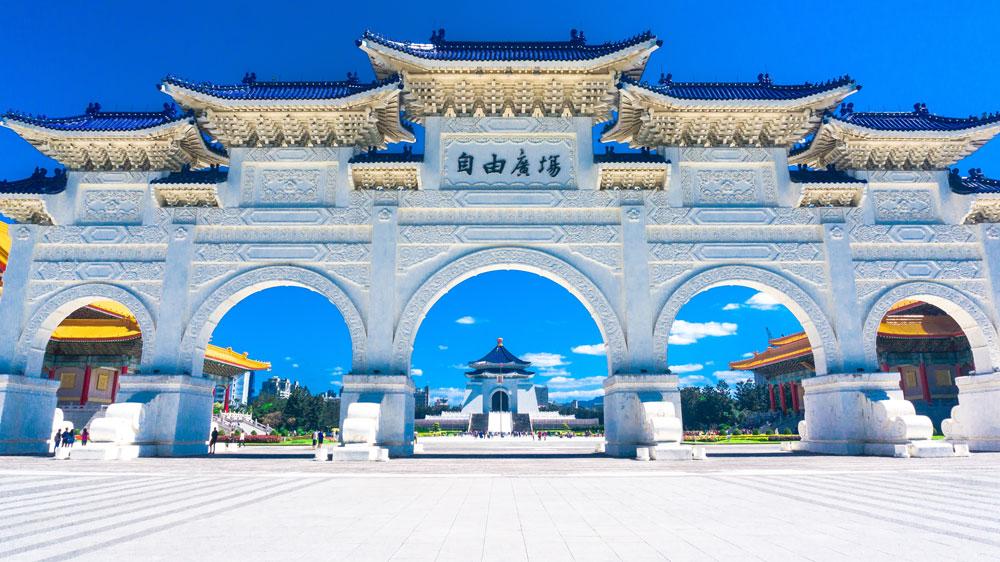 Мемориальный комплекс Чан Кайши — местного правителя и отца независимого Тайваня. Источник: @kaizerbienes