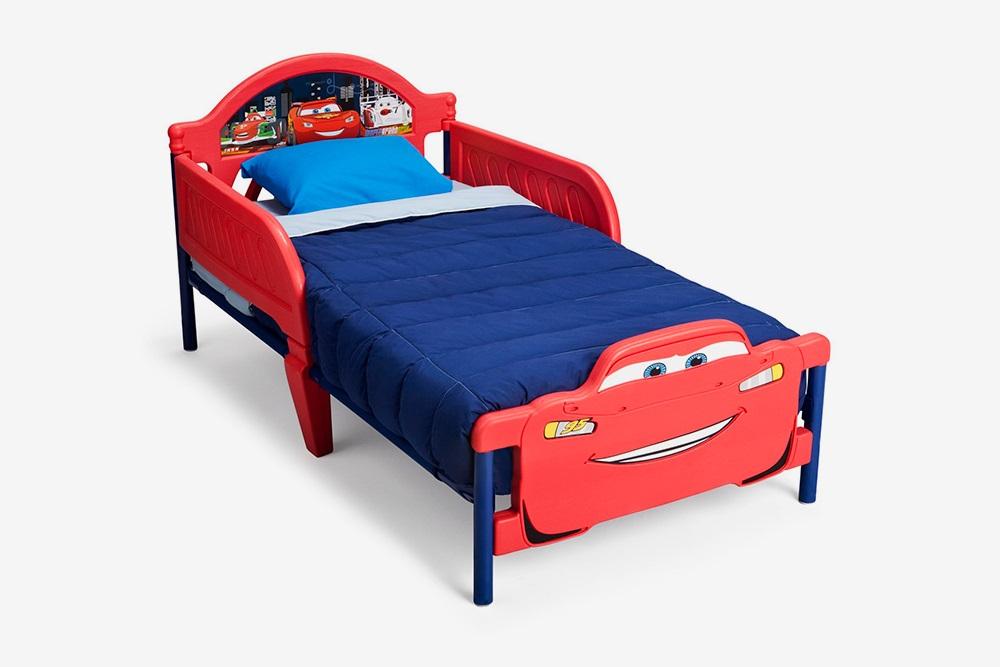 С виду кровать была хлипкая, но выдерживала даже взрослого. Источник: «Алибаба-ком»