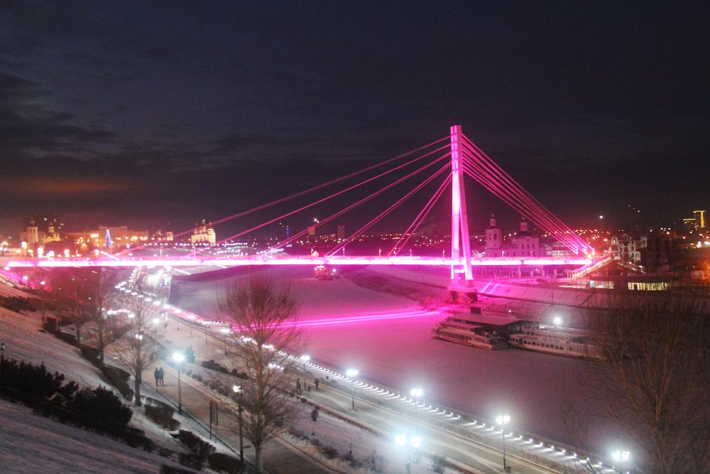 Вечером конструкция красиво подсвечивается. Источник: Сергей Тиняков