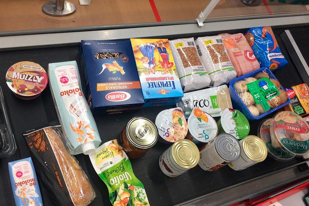Заехали в супермаркет, чтобы докупить продуктов «по мелочи». Потратили 1800<span class=ruble>Р</span> 🤦♂️