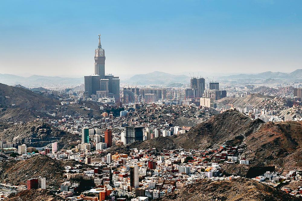 Так выглядит Мекка — один из самых важных городов в Саудовской Аравии и место, лицом к которому мусульмане по всему миру совершают свою ежедневную молитву
