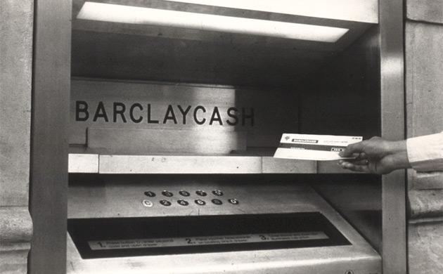 Первый банкомат в мире. Barclays Bank, 1967