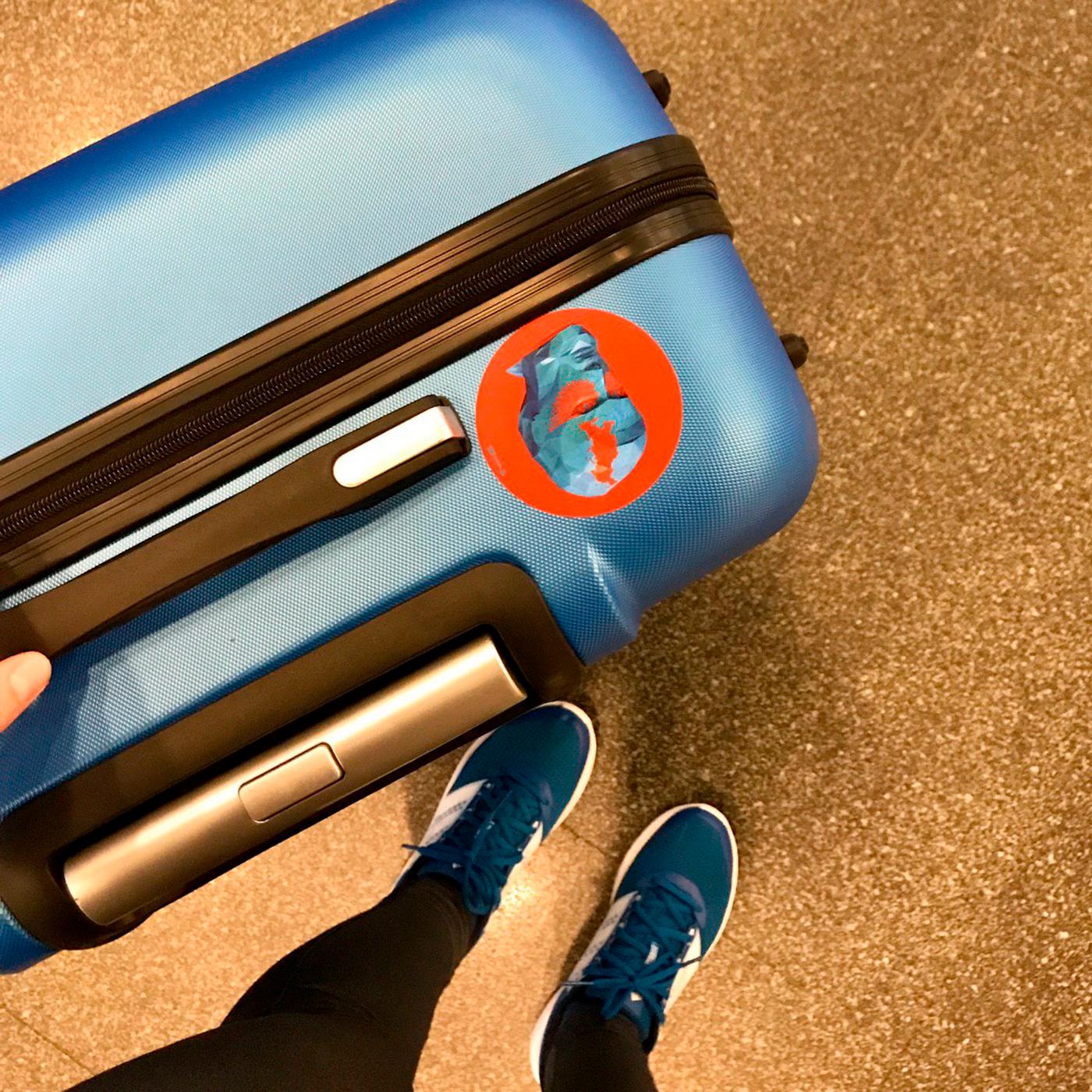 1 июня 2018 года, я переехала в Москву. На чемодане наклейка с трехлетия <span class=nobr>Т—Ж</span>