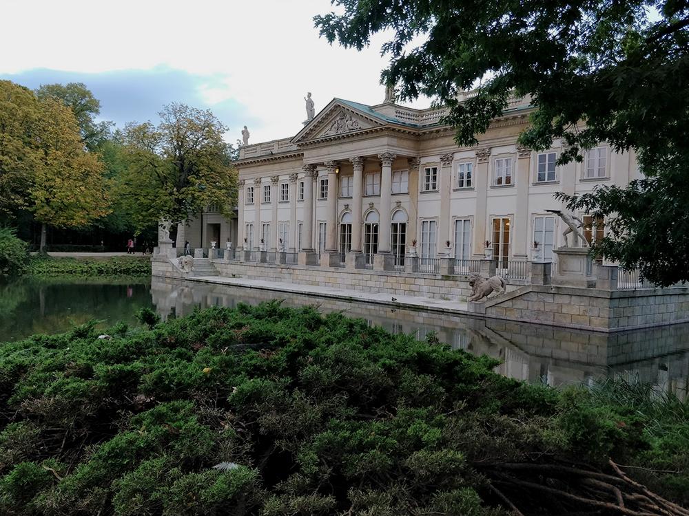 Парк «Королевские лазенки» в Варшаве. «Лазенки» — это купальни на польском