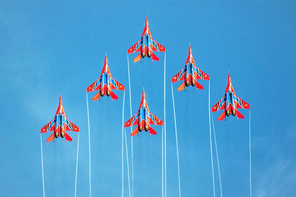 Пилотажная группа «Стрижи» на авиационном шоу. Фото: АГВП «Стрижи»