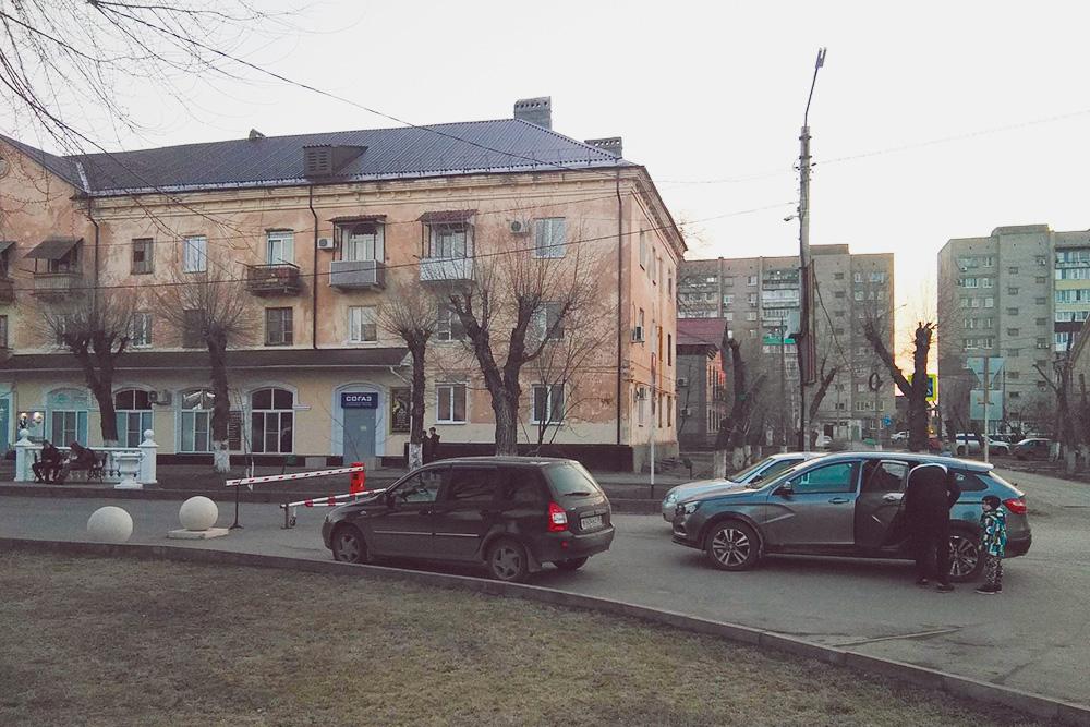 Весь центр города — это застройка шестидесятых годов