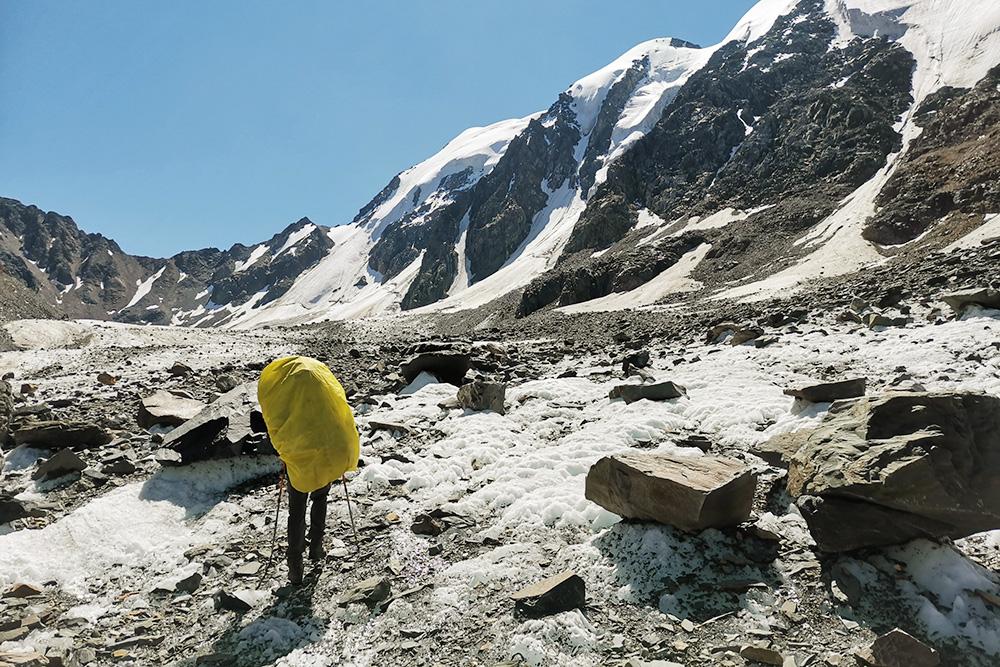 В такую солнечную погоду в горах легко обгореть — советую использовать солнцезащитный крем