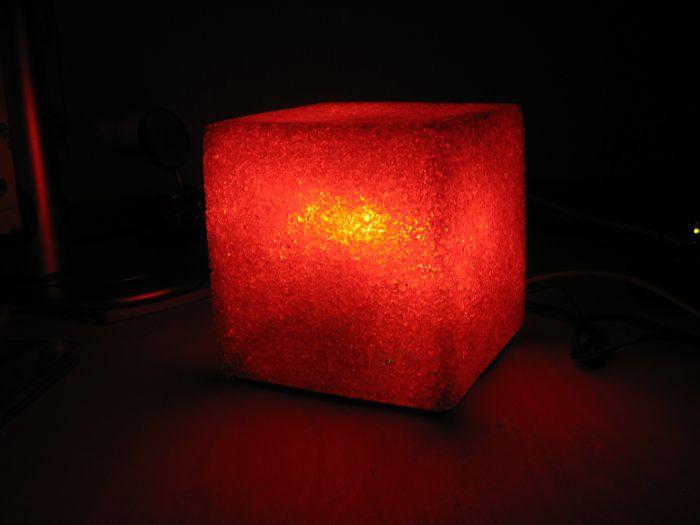 Первая лампа-индикатор